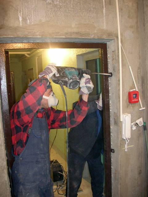 Как правильно установить входную металлическую дверь в квартиру: инструкция и схема монтажа
