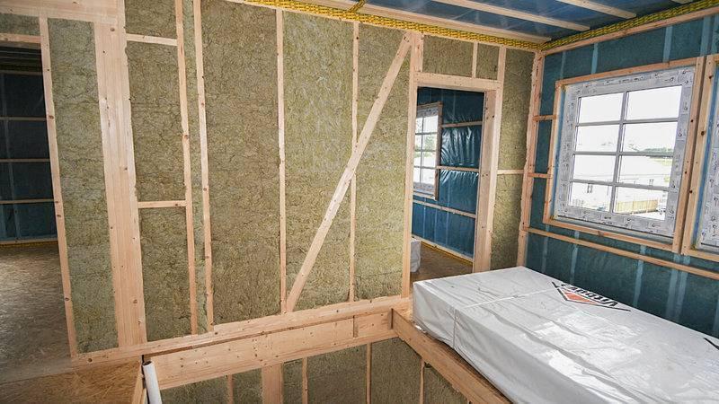 Как утеплить стены и потолок каркасной бани с помощью базальтовой ваты