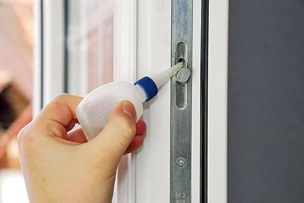 Чем помыть окна, чтобы не потели зимой в квартире