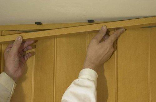 Дверь гармошка своими руками — сборка и монтаж конструкции