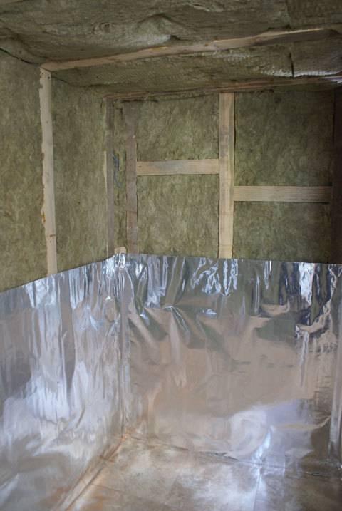 Проводим качественное утепление стен в бане изнутри
