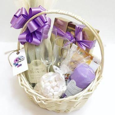 Подарочные корзины: что положить и как преподнести подарочные корзины: что положить и как преподнести