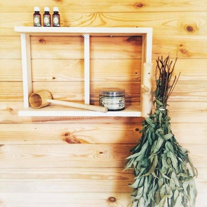 Отделка моечной в бане плиткой, изготовление полки для бани для шампуня в душевой бани
