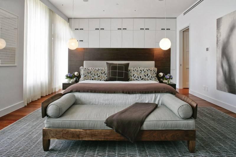 Диван в спальню вместо кровати: обзор конструкций, наполнителей и фурнитуры