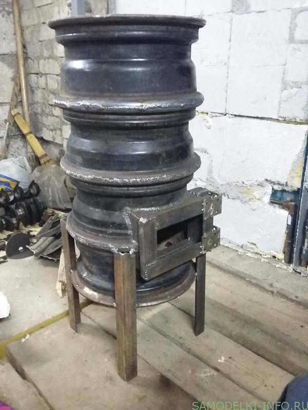 Мастерим из самых необычных подручных материалов: изготовление печки из автомобильных дисков своими руками