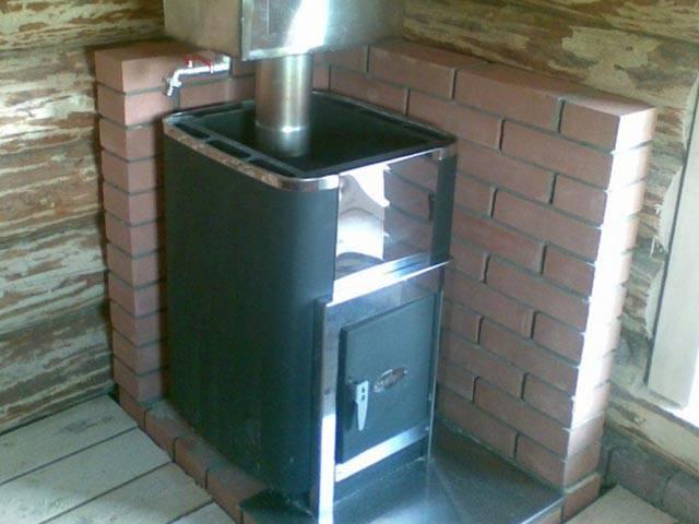 Защита стен бани от жара печи: правила устройства защитных экранов и обшивок