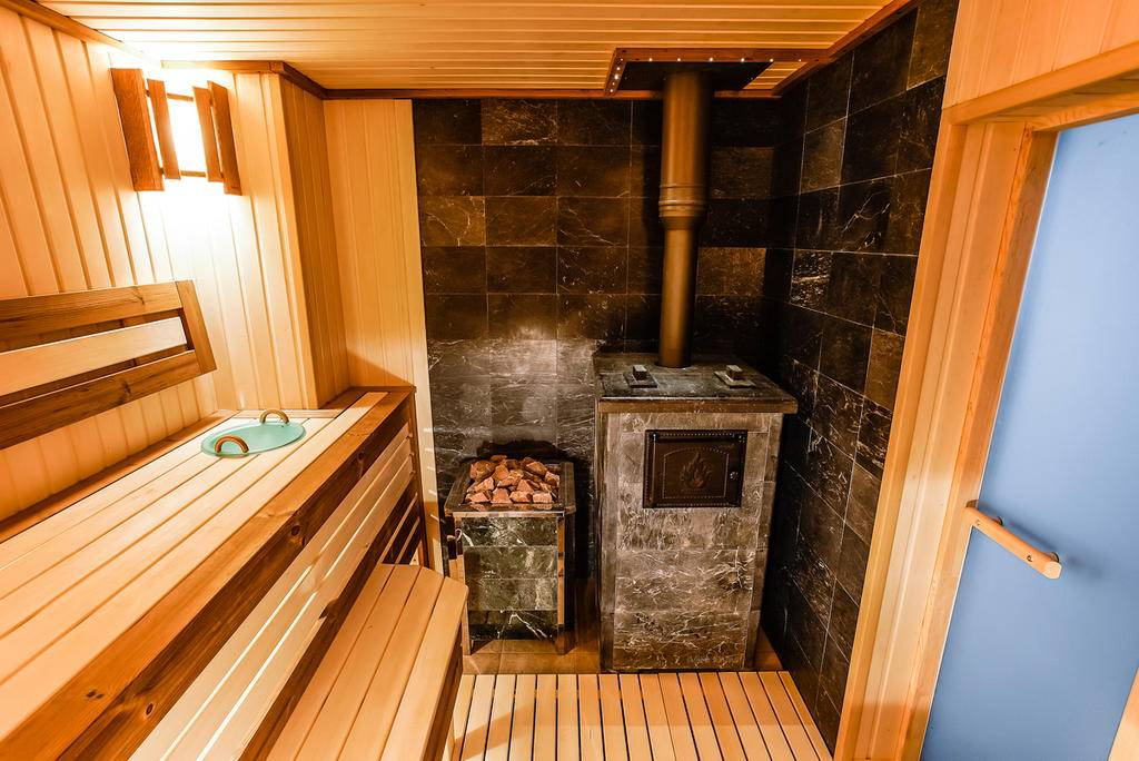 Баня в доме или отдельностоящая: оптимальный вариант для загородного дома