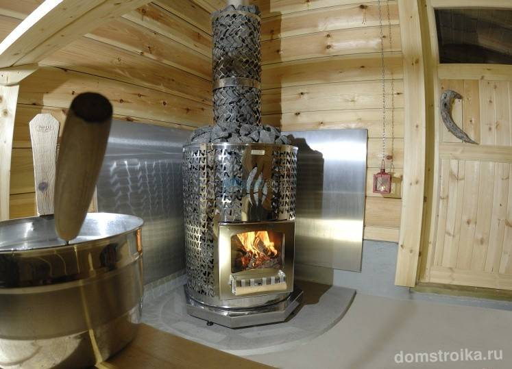 Печи на дровах для бани: виды и особенности