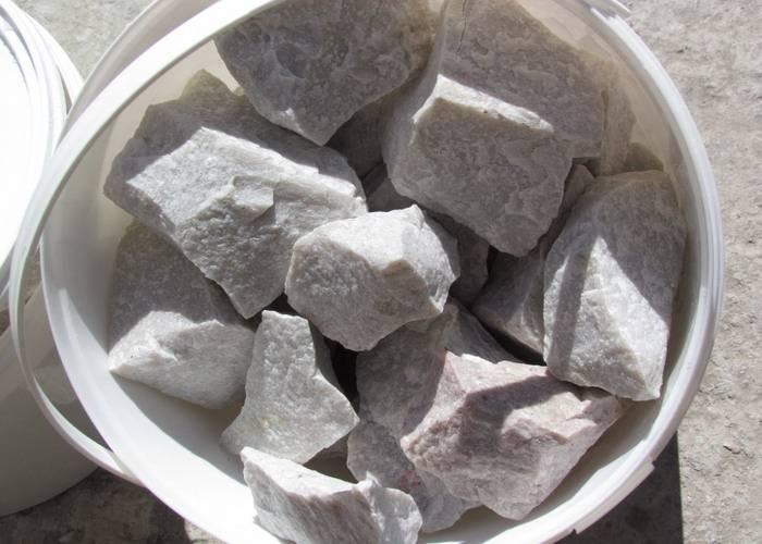Малиновый кварцит и его лечебные свойства