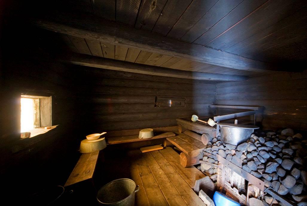 Пользователь бани по-черному, любитель бани по-черному, как готовить баню по-черному, как топить печь по-черному