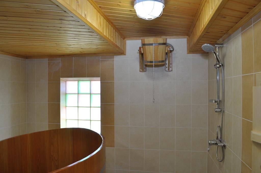 Как сделать душ в бане: обустройство, особенности использования, советы по монтажу своими руками